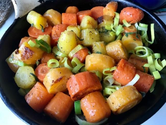 Grillade morötter med smör och purjolök