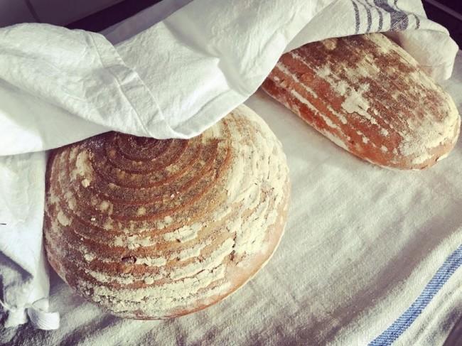 Kalljäst bröd med durumvete och pumpafrön