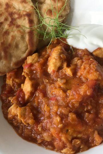 Indisk gryta med kyckling och röda linser