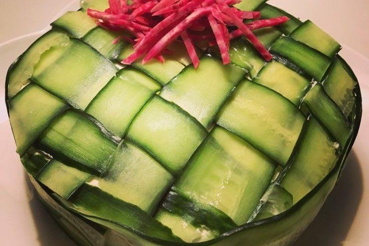 Smörgåstårta med lax och grönkål