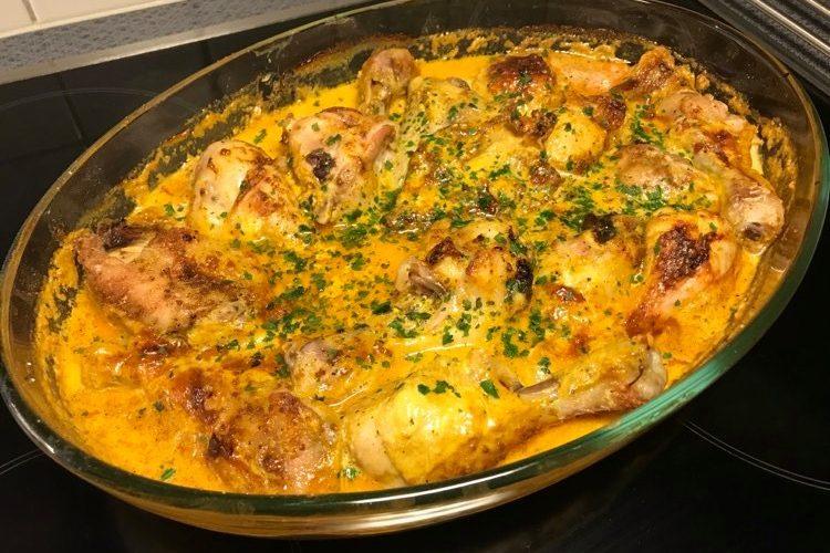 Kycklingben i tomat och curry