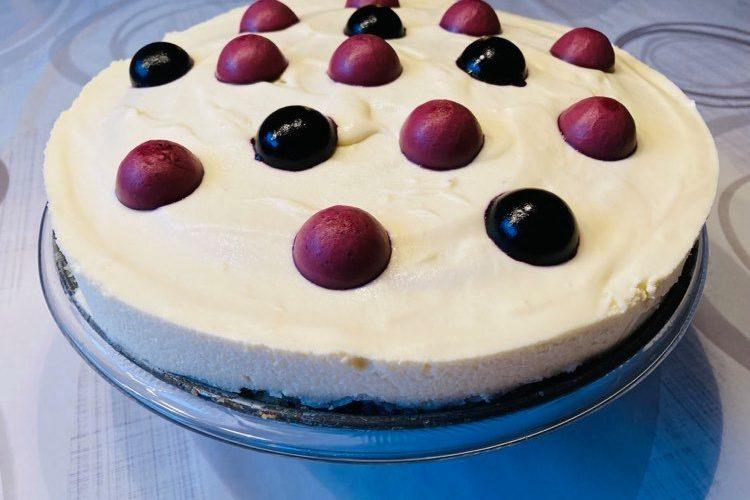 Citronkladdkaka med blåbär och vit choklad